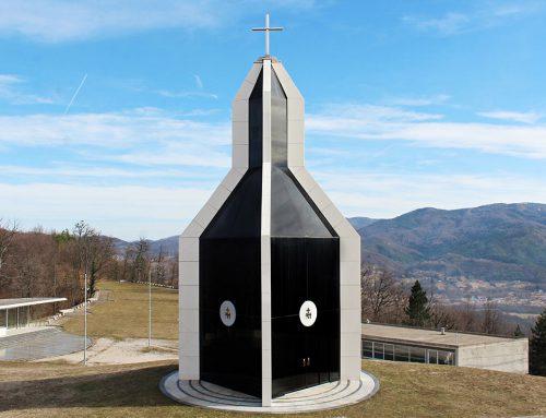 Chapel Kondžilo, Komušina